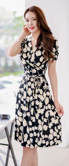 写真: LUXEASIAN.COM Luxe Asian Women Design Korean Model Fashion Style Dress Luxe…