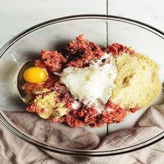 This easy Instant Pot Meatloaf recipe comes together quickly with minimum cleanup and only uses 1 pound of meat. It's also keto and low carb! Easy Instapot Recipes, Crockpot Recipes, Keto Recipes, Cheap Instant Pot, Pressure Cooker Recipes, Pressure Cooking, Meatloaf Recipes, One Pot Meals, Food Hacks