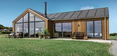 Sommerhus med sans for detaljen Modern Barn House, Barn House Plans, Sustainable Architecture, Architecture Details, Shed Homes, Exterior Design, Future House, Building A House, Beautiful Homes