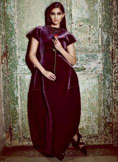 Bollywood actress Sonam Kapoor wearing an Emporio #Armani dress