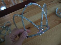 How to Make a Crown out of Pipe Cleaners
