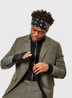 Millions of fans and millions in the bank, KSI is the biggest celebrity you've never heard of. As he gears up to fight Logan Paul, we find out what makes him tick. Ksi Youtube, Sidemen Members, Colson Baker, British Youtubers, Logan Paul, Funny Boy, Baby Daddy, Celebs, Celebrities