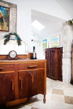 A Charming 1930s Austin Cottage