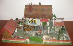 Britains Toy farm- house. England. Circa 1930. Pieternel Antique Toys
