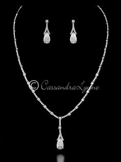 Bridal Jewelry Necklace and Earrings Set of Tulip CZ Drops from Cassandra Lynne Brautschmuck Halskette und Ohrringe Set Tulip CZ Drops von Cassandra Lynne Jewelry Gifts, Jewelery, Jewelry Accessories, Jewelry Necklaces, Jewellery Holder, Jewelry Trends, Wedding Jewelry Sets, Bridal Jewellery, Collar Necklace