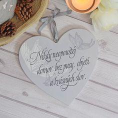HOUSEDECOR.CZ - DEKORACE - Dřevěné - Srdce nikdy neopouštěj domov světlá
