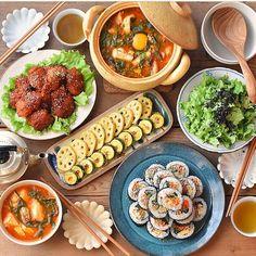 Asian Recipes, Ethnic Recipes, Korean Food, Food Menu, Creative Food, Japanese Food, Diet Recipes, Delish, Food And Drink