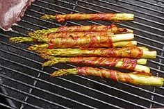 Gegrillter grüner Spargel mit Schinken Grilled green asparagus with ham (recipe with picture) Healthy Juice Recipes, Juicer Recipes, Ham Recipes, Healthy Juices, Healthy Eating Tips, Vegan Breakfast Recipes, Healthy Eats, Budget Freezer Meals, Cooking On A Budget
