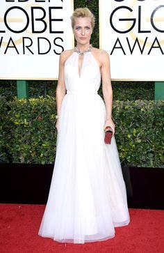Gillian Anderson Dress: Jenny Packham Jimmy Fallon, Emma Stone, Golden Globe Awards 2017, Red Carpet Gowns, Celebrity Dresses, Celebrity Style, Hollywood Glamour, Red Carpet Fashion, Nice Dresses