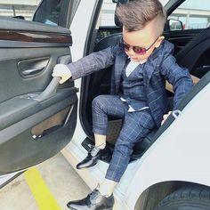 """#SignoriStore  Giày goodyear welt, giày goodyear đế da cao cấp! Từ nhỏ đã được tạo phong cách Class   Suit up   Fashion   Men lifestyle #fashionista #suit #perfectsuit Sở hữu ngay giày cấu trúc goodyear welt, đế da sang trọng, last ôm chân trẻ trung, lịch lãm! Phong cách Châu Âu!  Tặng kèm 1 đón gót bọc da+ 1 tất phù hợp đi giày tây! (Voucher giảm 5% khi mua lần 2 và giảm 10% khi mua lần 5)  kèm theo đó dịch vụ đi kèm cực kì ưu đãi khi mua Saphir """"Đều được bán với giá gốc"""" áp dụng v..."""