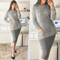 "393 curtidas, 3 comentários - Moda Feminina📍Sorteio No Feed (@fiorittastore) no Instagram: ""💕🌹bom dia🌹💕 Look by @fiorittastore ♥️Blusa cinza detalhes bolso R$:99,00 ♥️Saia midi cinza R$:85,00…"""