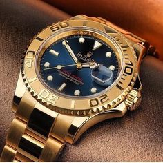 In some cases part of that image is the quantity of money you invested to use a watch with a name like Rolex on it; it is no secret how much watches like that can cost. Fancy Watches, Rolex Watches For Men, Expensive Watches, Luxury Watches For Men, Cool Watches, Rolex Vintage, Gold Rolex, Rolex Day Date, Hand Watch