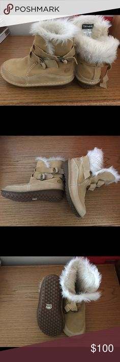 Sorel Tootega Boots NWT...Awesome Find!! Size 7 1/2, 200g Thinsulate with Removable Foot Bed. Super Warm, Fur Inside, Suede/Leather and Buckle Sides. So sad..they just don't fit us!! Sorel Shoes Winter & Rain Boots