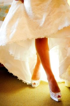 Love this shot of the shoes - a must have picture for the wedding Lauren!