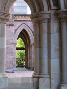 Characteristics of Gothic Architecture Pointed Arch