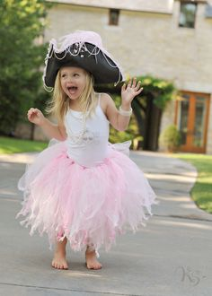 Why are the kid's costumes always so much cuter?! I want to be crazy-ass-pink-tutu-pirate!