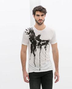 Kendinize uygun tişört baskı modellerini bulmakta zorlanıyorsanız, giyim sitelerini deneyebilirsiniz. Oralarda tişört baskı yapabileceğiniz pek çok online alışveriş sitesi yer almaktadır. Bu online alışveriş siteleri içerisinde kendi isteğinize göre tişört baskı modeli hazırlatabileceklerinizde bulunmaktadır.