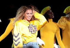 Beyoncé performed at coachella in custom louboutin fringe boots Coachella 2018, Coachella Style, Selfies, Celebrity Shoes, Videos Photos, Beyonce And Jay Z, Destiny's Child, Bff Pictures, Diets