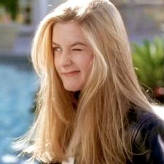 Inspo Cheveux, Clueless Aesthetic, Aesthetic Movies, Cher Clueless, Clueless Fashion, 90s Grunge Hair, Ignorant, Dream Hair, Hairstyles With Bangs
