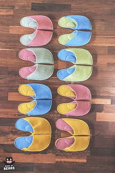 Matching slippers - Christmas gift idea for family. #matchingfamily #familychristmas #matchingslippers #slippers #familyslippers #guestslippers Christmas Gifts For Parents, Unique Christmas Gifts, Family Christmas, Gifts For Mom, Unique Gifts, Handmade Gifts, Cosy Bedroom Decor, Kiflice Recipe, Felt Slippers