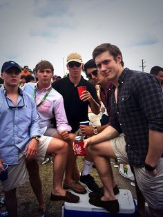 Tailgates and Frat guys.hello guy in the front Southern Gentleman, Preppy Southern, Southern Prep, Preppy Outfits, Girl Outfits, Preppy Clothes, Men Clothes, Swag Outfits, Frat Guys