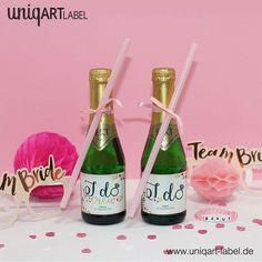"""Die besondere Überraschung zum Junggesellinnenabschied: Uunsere kleinen Piccolo Flaschen mit individuellen Etiketten. Natürlich """"I DO"""" für die Braut und passend für die Brautjungfern """"I DO CREW""""."""