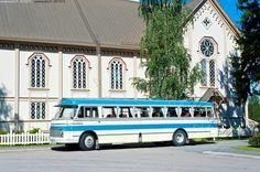 Vanha - linja-auto vanha kesä historia matkustaminen kirkko maaseutu entisöity auto