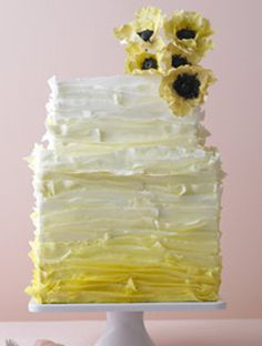 Rustic Chic This on trend yellow ombre cake has just the perfect amount of texture for an organic a natural look we love.