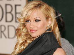 A atriz acrescentou que esta é uma boa forma de avaliar o desempenho sexual dos homens. Pamela Anderson referiu numa entrevista recentemente, que acha que o conhecimento que um homem tem na cozinha...