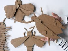 Cardboard is my favorite material. It's a great indoor creative activity to do with the kids. Cut some shapes and glue them all together. School Art Projects, Projects For Kids, Crafts For Kids, Arts And Crafts, Cardboard Box Crafts, Cardboard Sculpture, Paper Crafts, Recycled Crafts Kids, Sculpture Projects