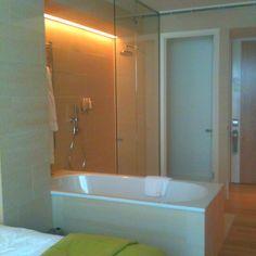 Bathroom - Montpellier chapter