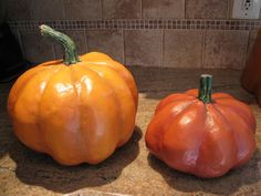 Tutorial: Paper Mache Pumpkins - BEST tutorial yet