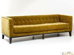 Kare Design Mirage Sofa Zitbank Goud - Luxe 3-zitsbank / sofa met een charmante uitstraling. Met comfortabel gevulde zitting en gekapitonneerde rugleuning met knopen. Door het tijdloze ontwerp is deze bank erg klassiek en elegant. Bekijk meer vintage spullen >