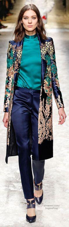 Fall 2014 Ready-to-Wear Blumarine Oh this looks like this would be my most comfortable favorite outfit. Estilo Fashion, Moda Fashion, High Fashion, Fashion Show, Fashion Outfits, Womens Fashion, Fashion Design, Fashion Trends, Color Fashion