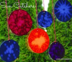Summer crafts for kids that look like a million bucks but cost nothing are a sure-fire way to have tons of fun. The Million Dollar Suncatcher looks absolutely stunning, but it can be produced by a child in preschool.
