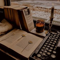 Brown Aesthetic, Aesthetic Vintage, Aesthetic Art, Aesthetic Pictures, Paradis Sombre, Dark Paradise, Light In The Dark, Aesthetic Wallpapers, Hogwarts