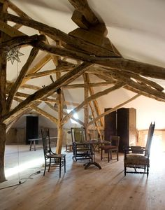 Attic in the home of Richard Salmon, a British-born art restorer in Cahors, France. Renovated old farm house, parts of wich date back 400 years. Best Interior Design, Interior And Exterior, Interior Decorating, House Inside, My House, Farm House, Old Stone Houses, Rustic Elegance, Rustic Chic