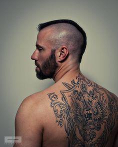 Love the tattoo Mohawk Hairstyles Men, Haircuts For Men, Hairstyle Short, Beard Images, Tattoo Pain Chart, Beard Haircut, Faded Hair, Hairy Hunks, Great Beards