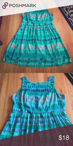 Dress Barn green dress Dress Barn dress. Fully lined. Full back zipper. Very pretty. Doesn't come with belt. Has belt loops. Size 16 16W. No trades. Dress Barn Dresses