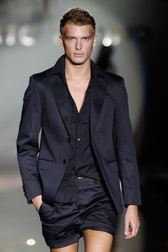 .  I like this twist on a Mens' suit - still look profess and super Summer   PattyOnSite