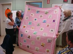 Show and tell Pink Quilts, Show And Tell, Square Quilt, Fabric, Pattern, Projects, Pictures, Color, Tejido