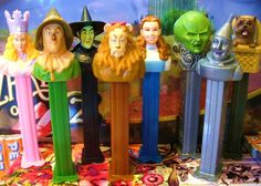 Wizard of Oz PEZ Candy Dispensers set, 8 pieces (characters) Wizard Of Oz Characters, Wizard Of Oz Movie, Pin Up, Land Of Oz, Yellow Brick Road, Judy Garland, Wicked Witch, Over The Rainbow, The Wiz