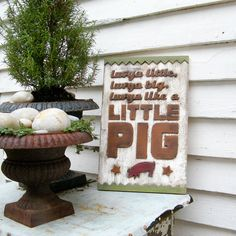I am making this with my Silhouette for my pig-centric kitchen!!! :)