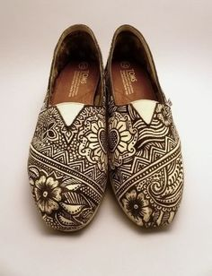 henna shoes!! @sparrowhannah These are awesome!!!