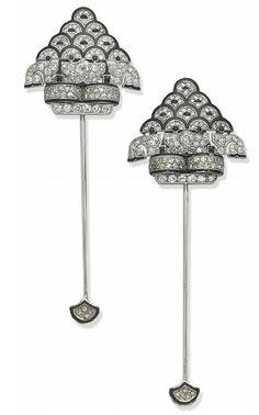 ER.VG ELIOT RAFFIT Jabot Pin Collection