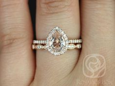 Tabitha 8x6mm & Christie bande 14kt Rose Gold Pear Morganite et diamants Halo mariage Set (autres métaux et pierres options disponibles)