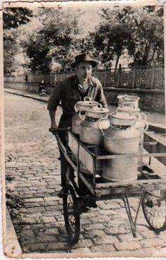 Le porteur de lait: from Asun L.'  board Trabajando - fantastic vintage photo collection!
