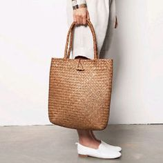 straw bag tote- summer accessory trend