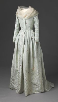1785 - 95 - Silk Round Gown -   Spitafields (London popular Antique, Grocer and Vegetable Market) - Late Rococo, early Neoclassical