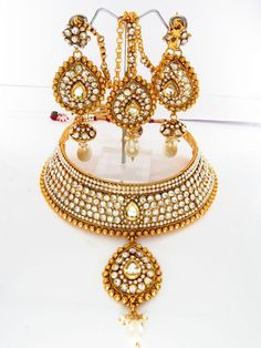 Z Fashion Trend: BRIDAL KUNDAN SET WITH MAANG TIKA